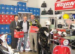 Incontro con l'Africa 2012 - Francesco e Carlo della MCR ed i nuovissimi caschi N 104 NOLAN